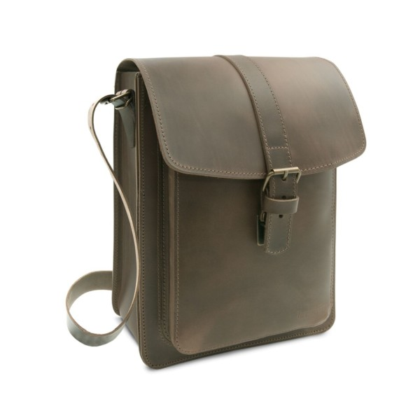 Messenger Bag aus Leder für Männer in ranger Helsinki